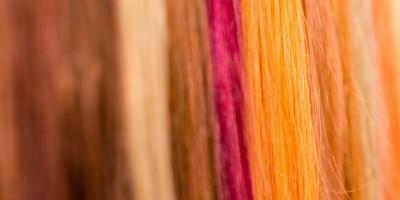 Bunte und besondere Haar-Highlights durch Extensions