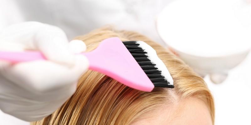 Auftragen des Haarfärbemittels